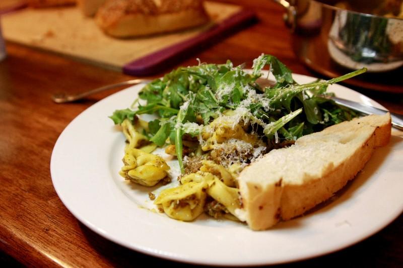 pesto sausage tortellini & salad