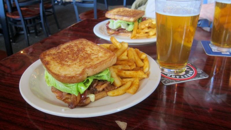 BLT sandwich & ipa