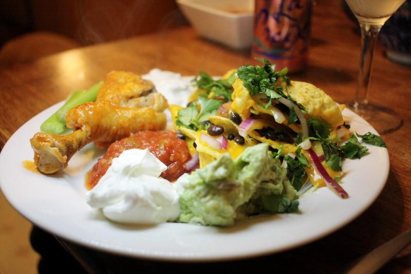 nachos, chicken & sauces