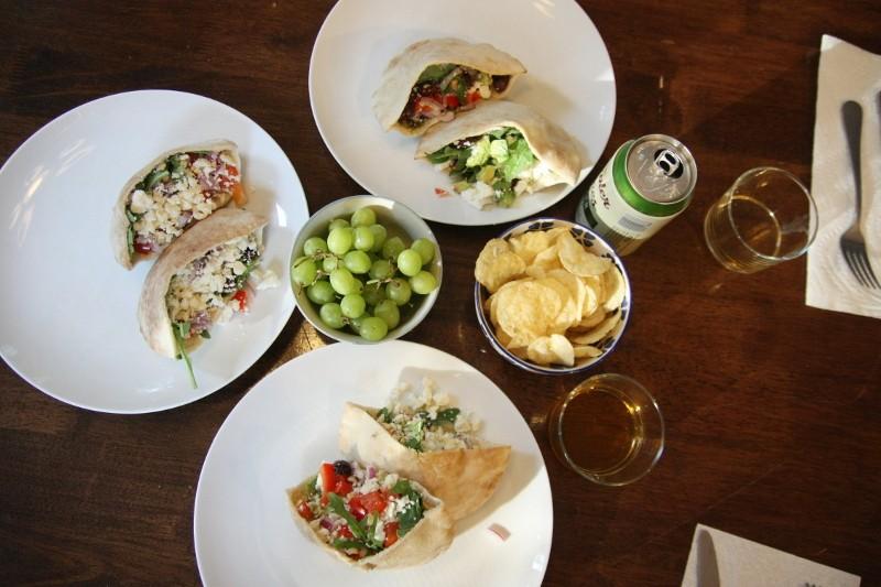 pitas & grapes & humus & chips
