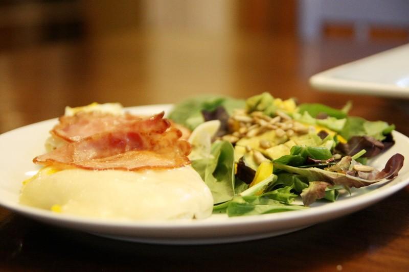 egg muffin & salad