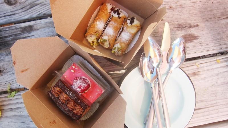 cake & cannoli